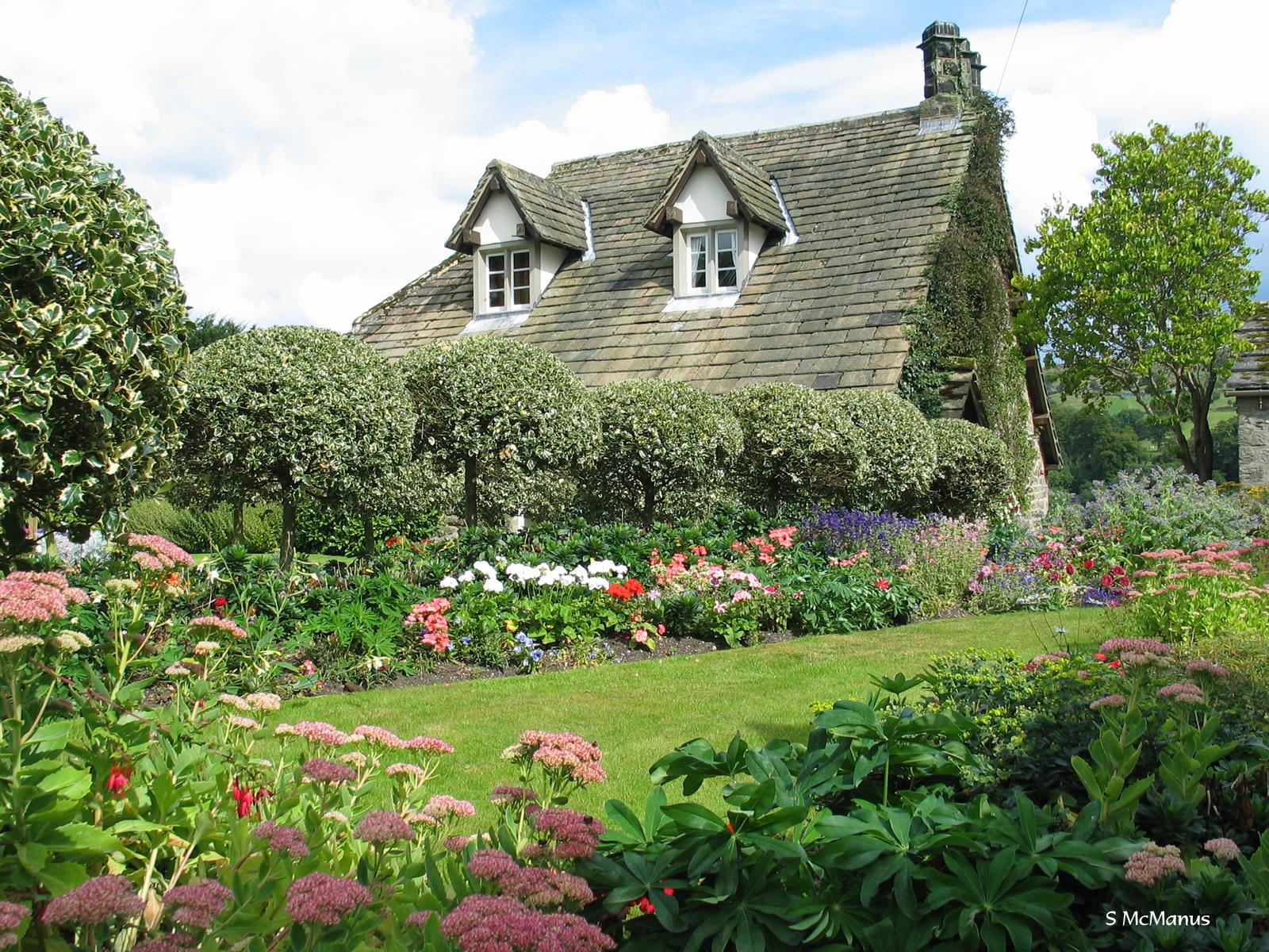 What is a low maintenance garden part 1 plantplots for Gartengestaltung country